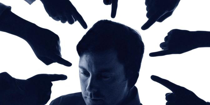 Bức xúc chuyện nghề – Phần 1: Gạch đá bủa vây ngành IT và Developer
