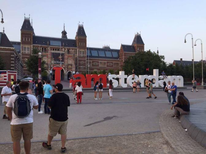 Series Code Dạo Trời Tây – Phần 4.2: Amsterdam, xứ sở của phố đèn đỏ và cần sa