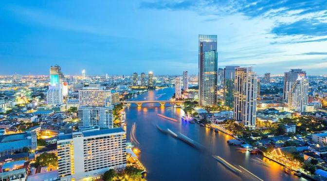Series Code Dạo Trời Tây – Phần 4.5: Hành trình chuyển giới tại Agoda và Bangkok