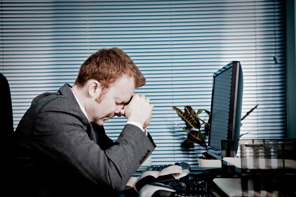 Tự ti, phân vân, lo lắng, nghi ngờ bản thân,... những cảm xúc tiêu cực mà sinh viên IT/ lập trình viên nào cũng sẽ gặp phải